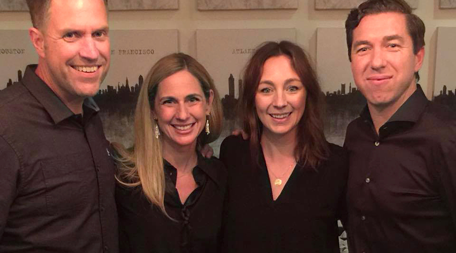 Heather Larson mit ihrem Mann Dan sowie Steve Carter mit seiner Frau Sarah.